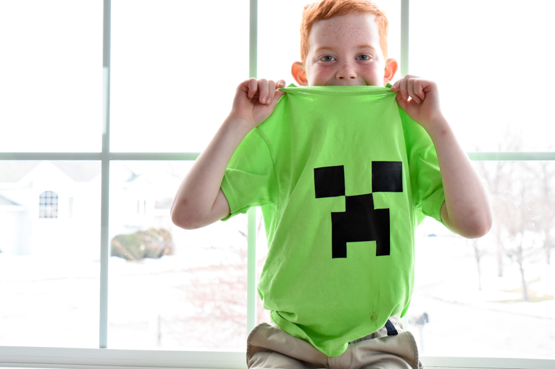 DIY Minecraft shirt party favor tutorial