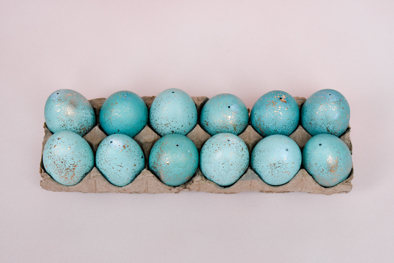 DIY Faux Robin Eggs - Copper Leafed Robin Eggs & Gold Speckled Robin Eggs Tutorials using Blown Out Eggshells